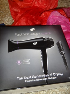 T3 Featherweight Luxe 2i hair blow dryer